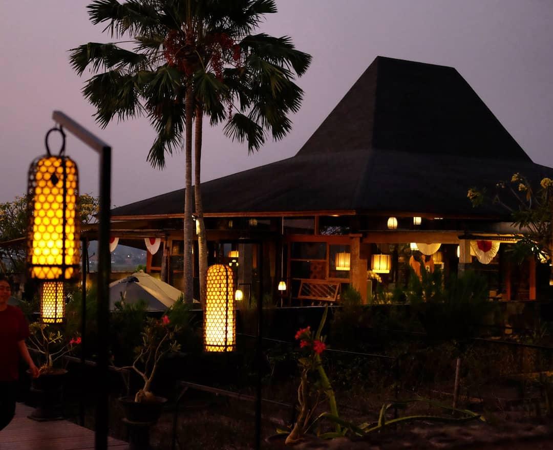Abhayagiri Restaurant (2)