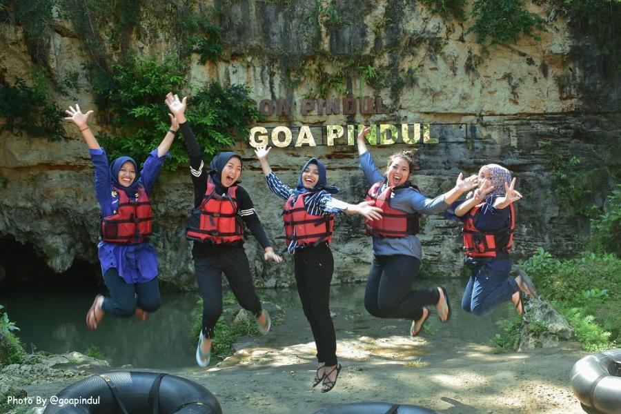 Merasakan Asyiknya Sensasi Cave Tubing Di Goa Pindul Jogja